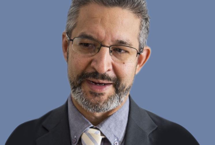 Dr. Carlos Antillón Médico Especialista en Endocrinología Pediátrica. Centro Médico ABC.